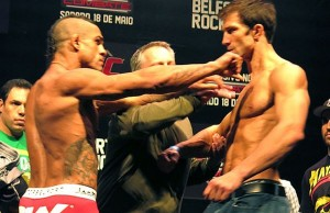 vitor-belfort-pushes-luke-rockhold