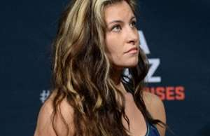 001-miesha-tate-regular-post-pic
