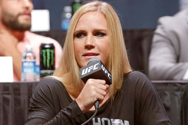 holly-holm-7