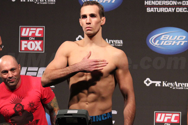 rory-macdonald-weigh-in