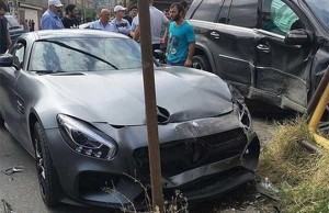 nurmagomedov-crashed-car