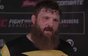 roy-nelson-backstage